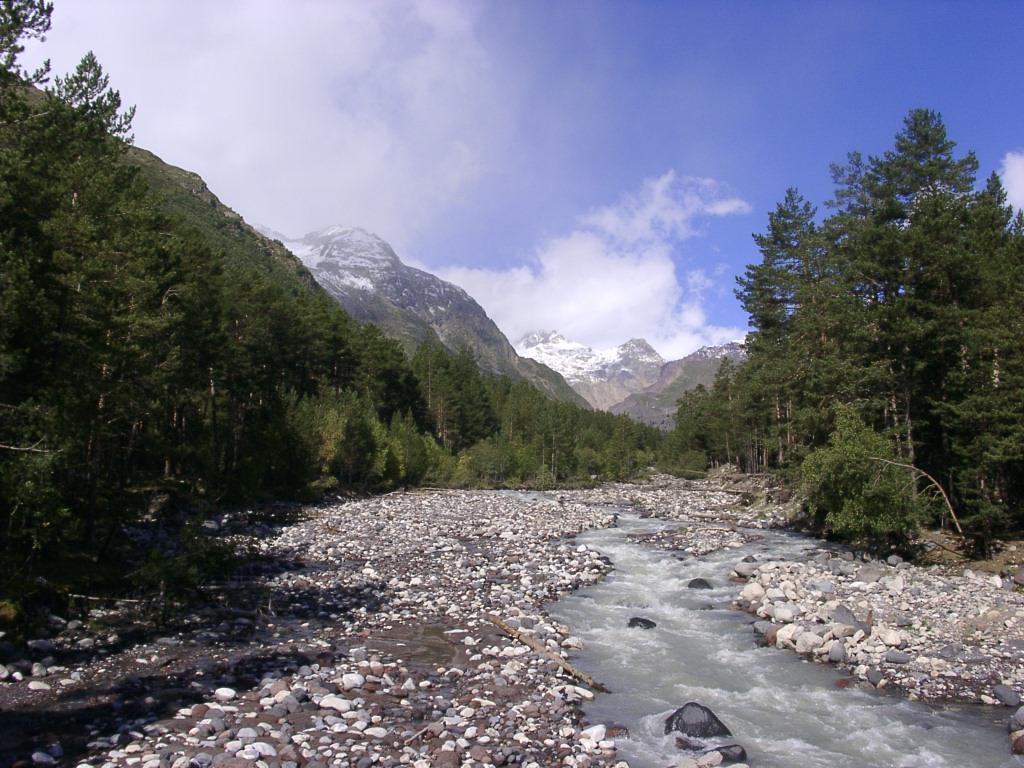Река терскол в баксанском ущелье